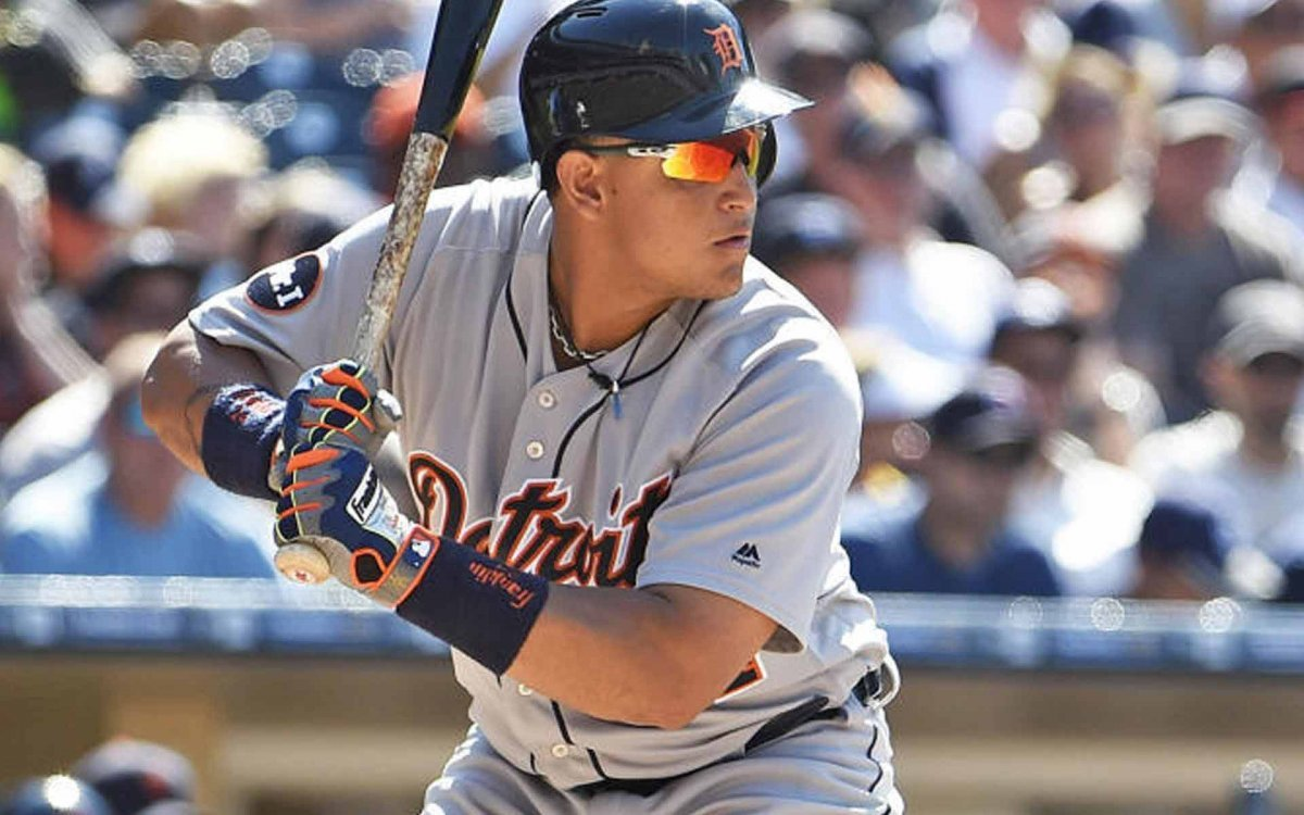Sunglass Lenses Saves Baseball Player's Eye